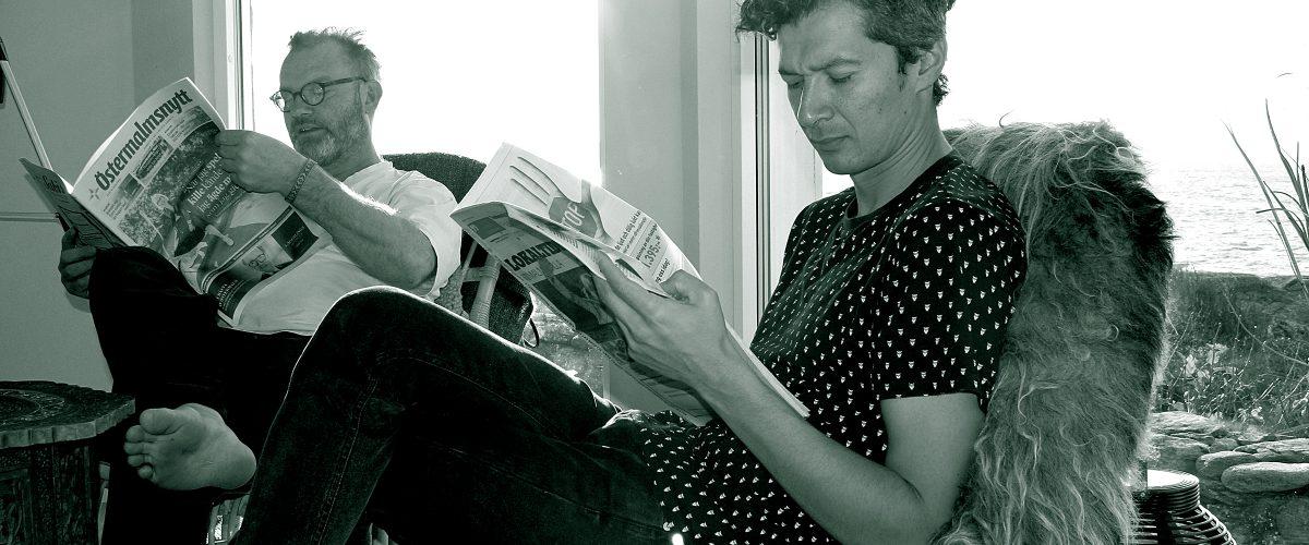 Jose läser tidning